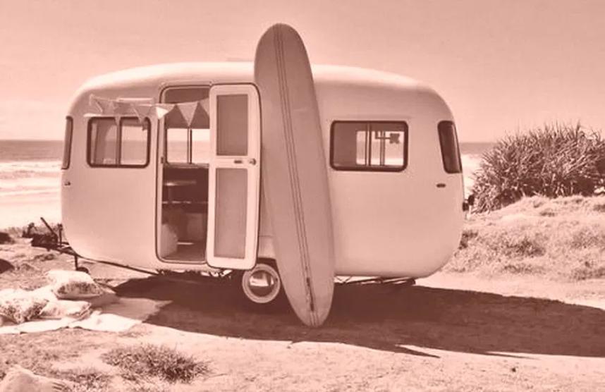 caravana surfista